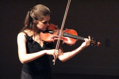 Белая Екатерина скрипка