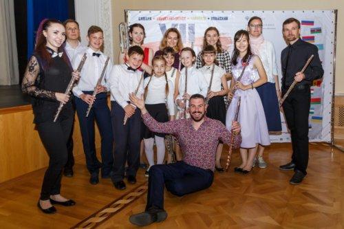 Детская музыкальная академия в Самаре. Гарет МакЛернон с воспитанниками.